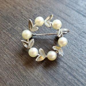 Vintage Pearl Pin Silver Floral Wreath Brooch